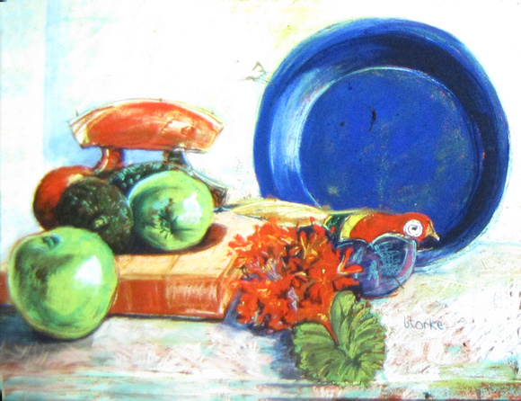 GRANNY APPLE AND BLUE BOWL